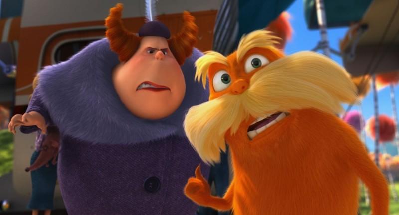 Lorax - Il guardiano della foresta: il Lorax insieme all'acidissima Zia Griselda in una scena del film