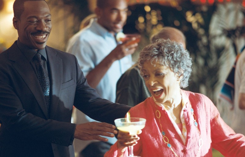 Eddie Murphy in A Thousand Words con Ruby Dee
