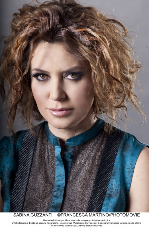 Un due tre stella: Sabina Guzzanti in un primo piano promozionale per la sua nuova trasmissione