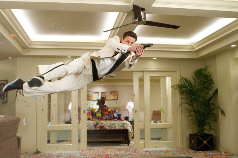 Channing Tatum in una scena action di 21 Jump Street