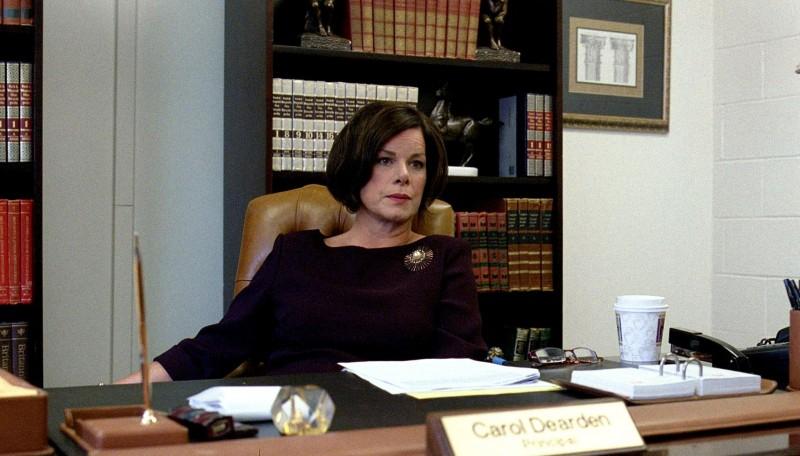 Marcia Gay Harden è una preside in Detachment