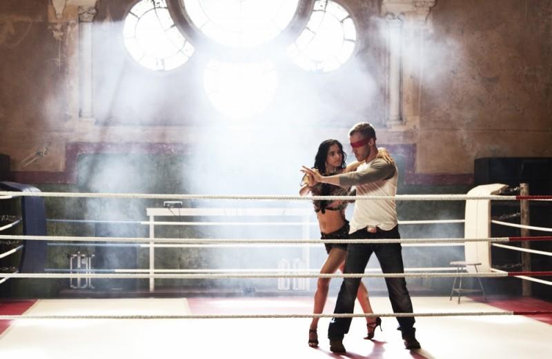 StreetDance 2: Falk Hentschel e Sofia Boutella danzano in una scena del film