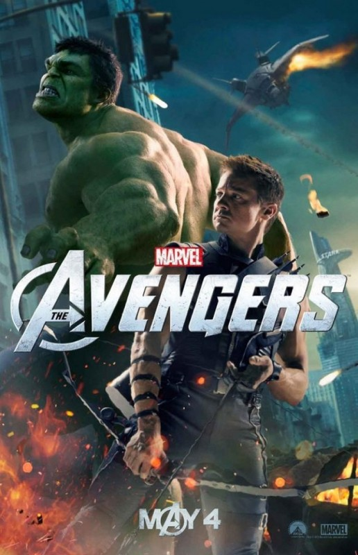 The Avengers: nuovo character poster di Haweye/Jeremy Renner. Sullo sfondo appare Hulk