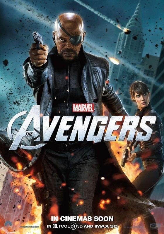 The Avengers: nuovo character poster di Nick Fury/Samuel L. Jackson. Sullo sfondo appare Maria Hill