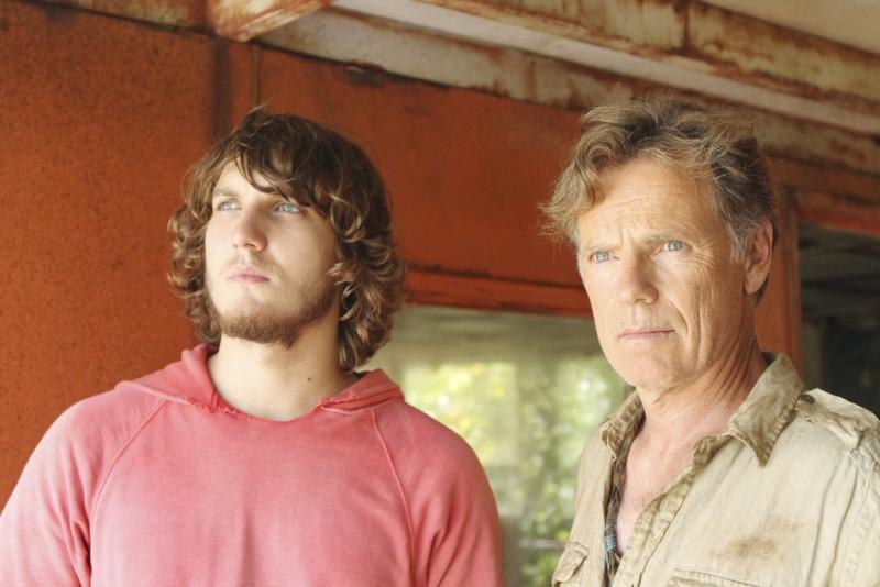 The River: Scott Michael Foster e Bruce Greenwood in una scena (episodio A Better Man)