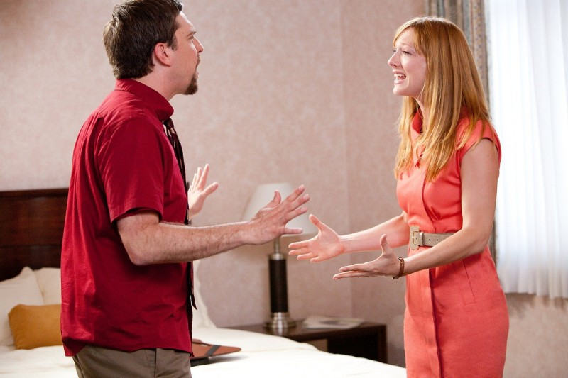 Ed Helms in una scena di Jeff Who Lives at Home con  Judy Greer