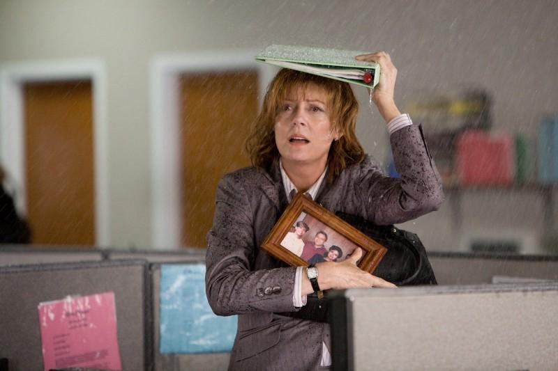 Susan Sarandon sotto la pioggia nel film Jeff Who Lives at Home
