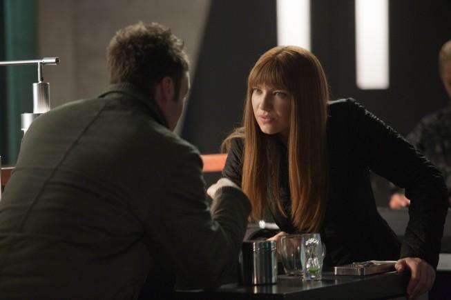 Fringe: Anna Torv e Seth Gabel nell'episodio Enemy of My Enemy