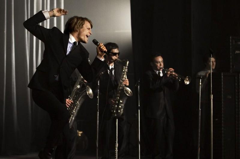 Jérémie Rénier interpreta un brano musicale nel dramma francese CloClo