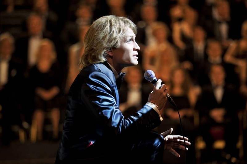 Jérémie Rénier sul palcoscenico nel dramma CloClo