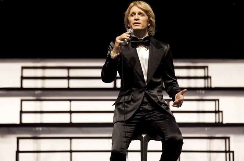 Jérémie Rénier sul palcoscenico nel drammatico CloClo