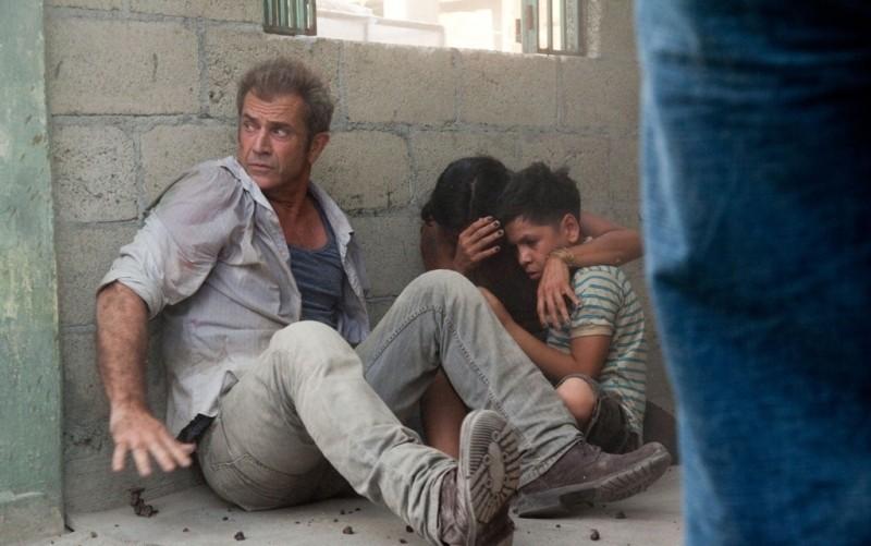Viaggio in paradiso: Mel Gibson in una scena d'azione del film