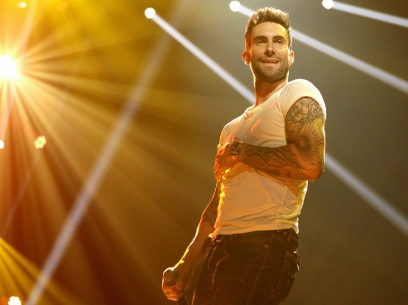 Adam Levine durante una performance