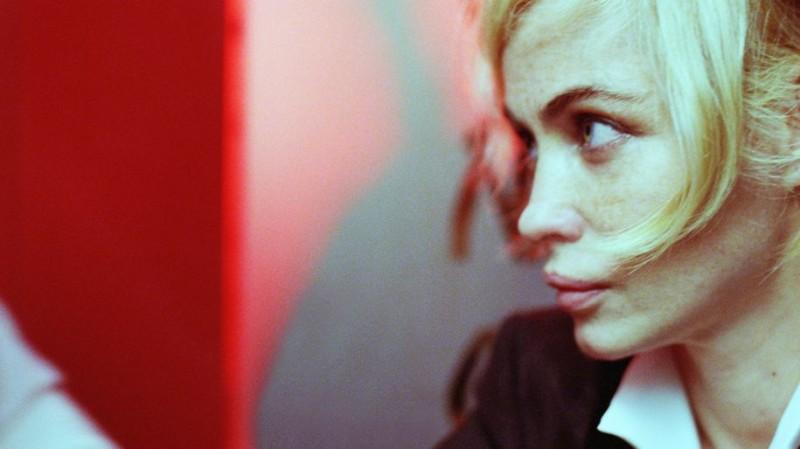 Emmanuelle Béart in una scena di Bye Bye Blondie