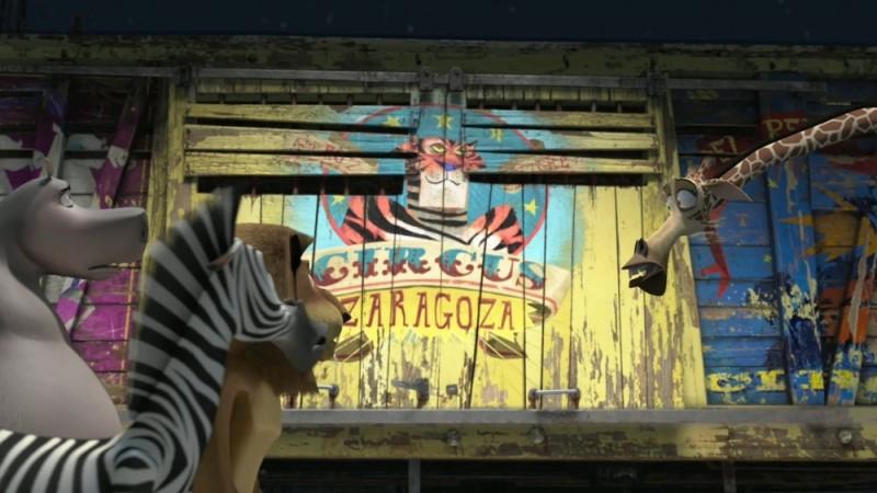 Madagascar 3: ricercati in Europa, i nostri quattro amici di fronte alle gabbie del Circo Zaragoza