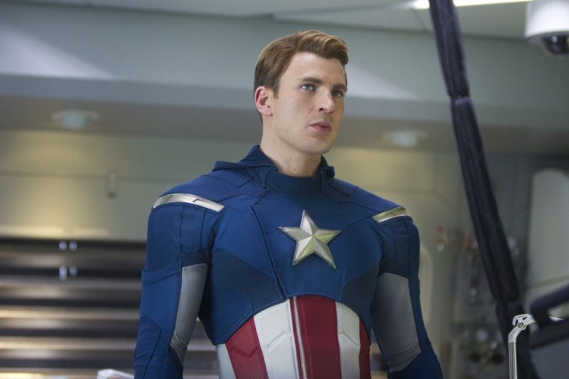 Chris Evan è Capitan America in una scena di The Avengers