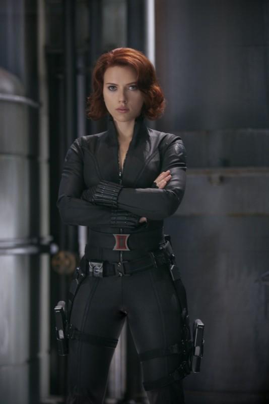 La bellissima Scarlett Johansson è la Vedova Nera in una scena di The Avengers