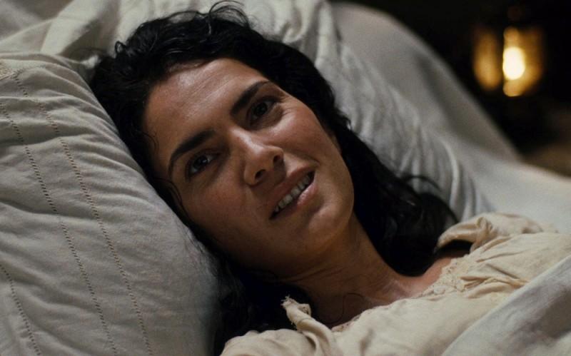 Maya Sansa è Catherine Cormery in una scena del film Il primo uomo