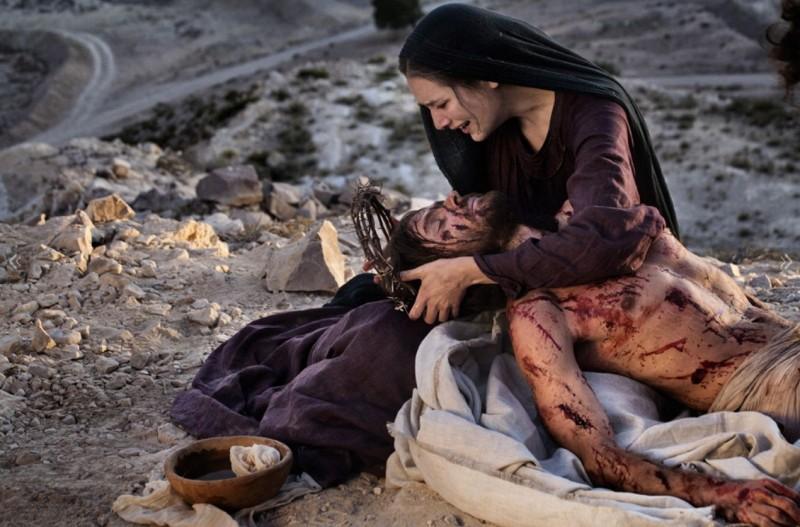 Alissa Jung con Andreas Pietschmann nella fiction Maria di Nazaret