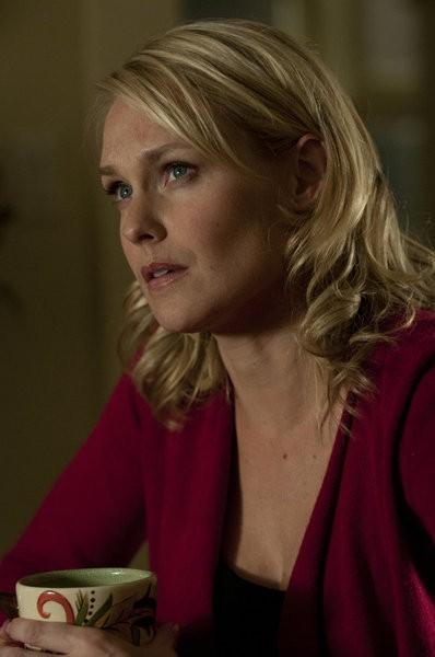 Awake: Laura Allen nell'episodio Kate is Enough