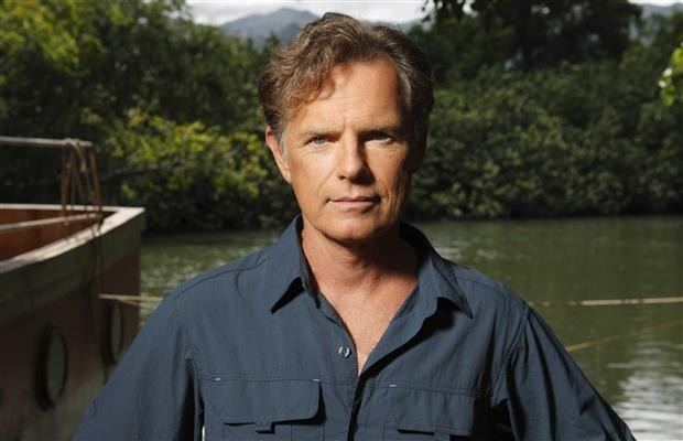 Bruce Greenwood nella serie tv The River (episodio Doctor Emmet Cole)