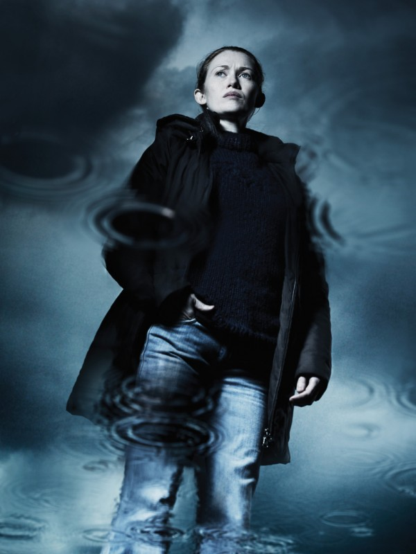 The Killing: Mireille Enos in una foto promozionale della stagione 2