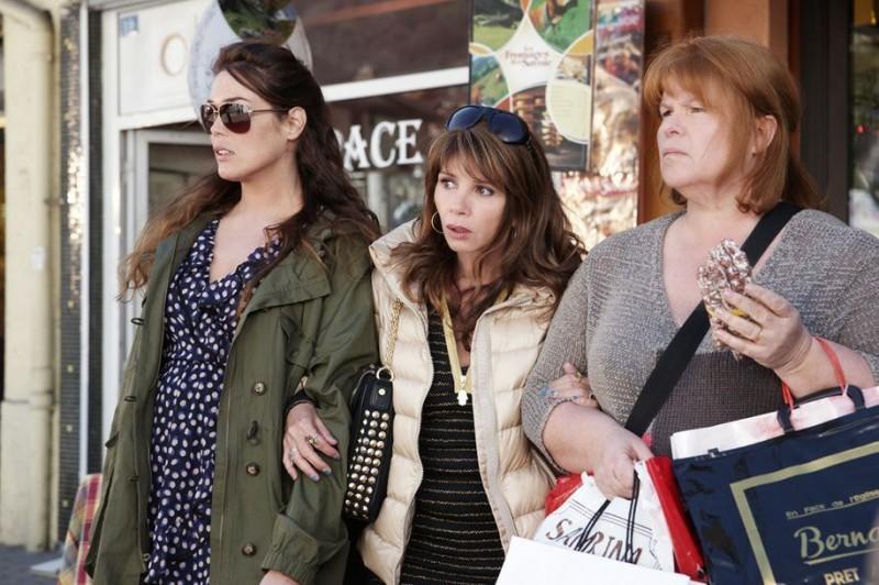 Victoria Abril, Lola Dewaere, Catherine Hosmalin in Mince Alors!