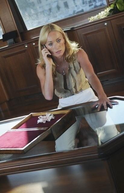 Missing: Victoria Smurfit nell'episodio Ice Queen