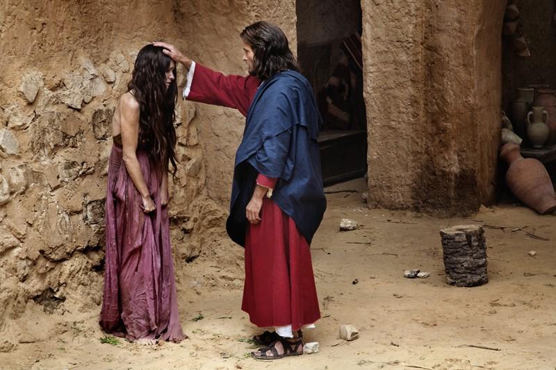Paz Vega con Andreas Pietschmann nella fiction Maria di Nazareth