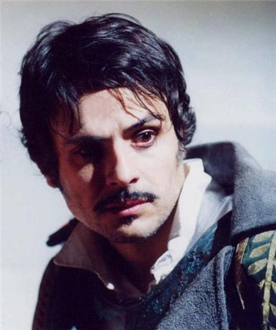 un ritratto dell'attore Maximilian Nisi