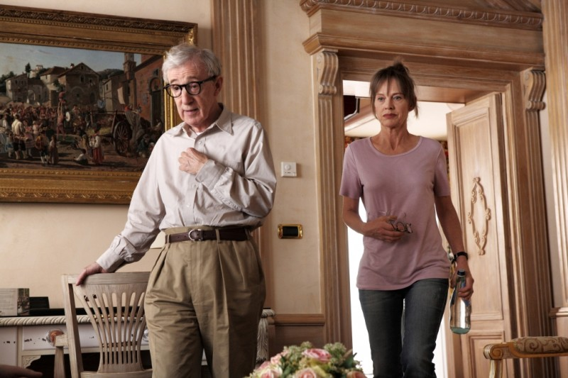 Woody Allen insieme a Judy Davis in una scena di To Rome with Love