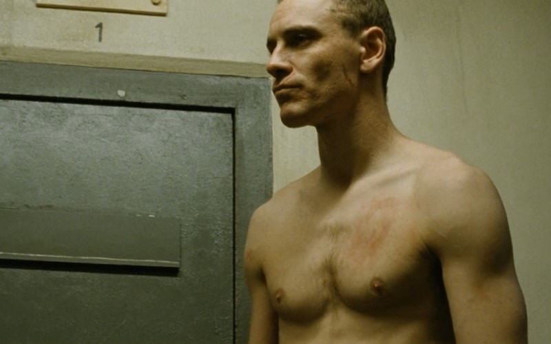 Michael Fassbender protagonista del dramma carcerario Hunger in una scena del film