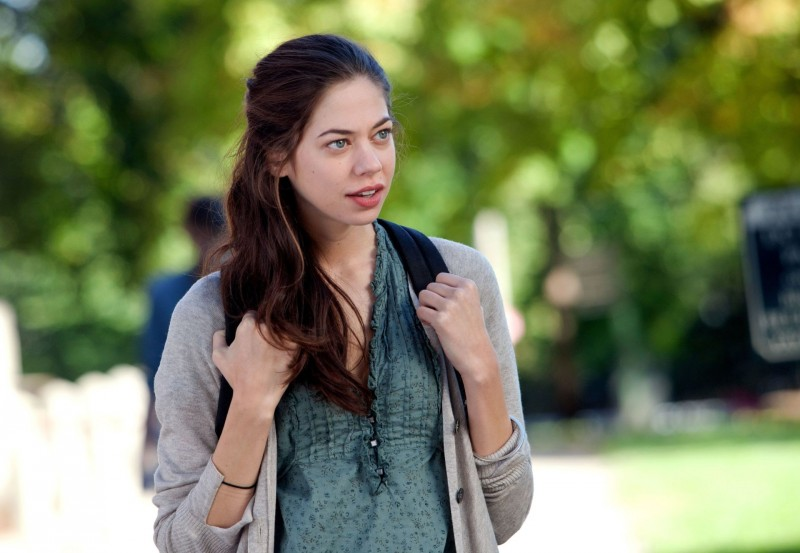 Analeigh Tipton è Lily in Damsels in Distress