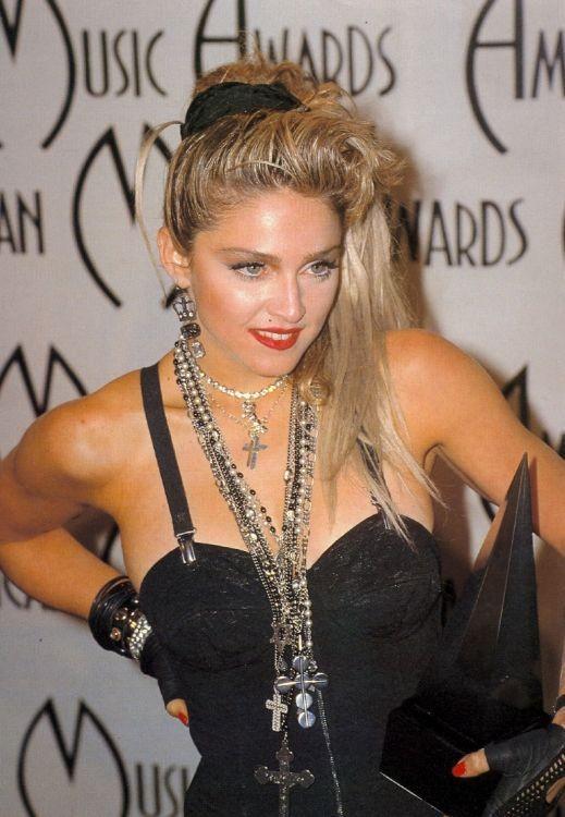 Madonna agli American Music Awards nel 1985