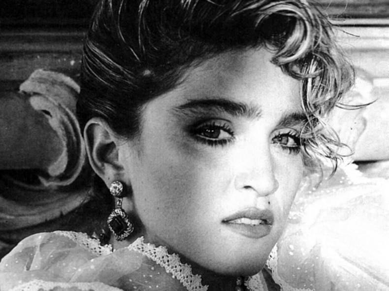 Madonna sul set del video di 'Like a Virgin' (1984)
