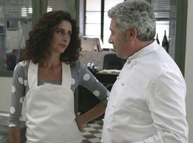 Benvenuti a tavola: Teresa Mannino (Lucia) e Antonio Catania (Renato) in una scena