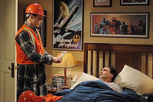 The Big Bang Theory: Johnny Galecki e Jim Parsons in una scena dell'episodio The Friendship Contraction