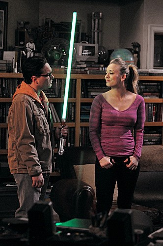 The Big Bang Theory: Johnny Galecki e Kaley Cuoco nell'episodio The Friendship Contraction