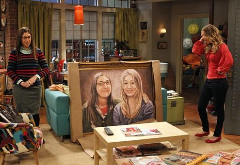 The Big Bang Theory: Mayim Bialik e Kaley Cuoco nell'episodio The Rothman Disintegration