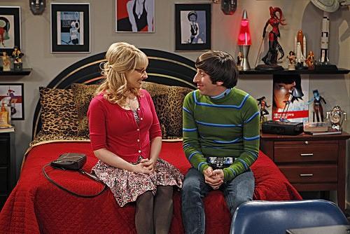 The Big Bang Theory: Simon Helberg e Melissa Rauch nell'episodio The Shiny Trinket Maneuver