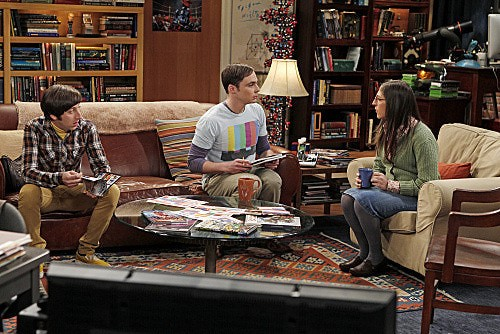 The Big Bang Theory: Simon Helberg, Jim Parsons e Mayim Bialik in una scena dell'episodio The Weekend Vortex