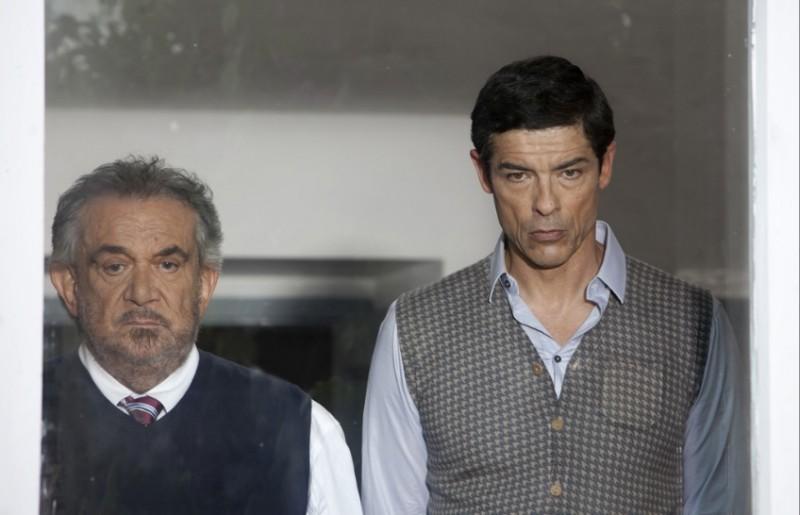 Una grande famiglia: Gianni Cavina con Alessandro Gassman in un'immagine della fiction diretta da Riccardo Milani