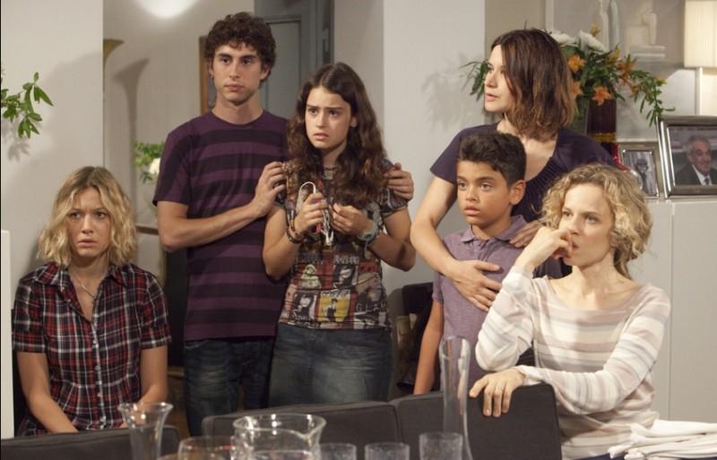 Una grande famiglia: il cast in una scena della fiction di Raiuno diretta da Riccardo Milani