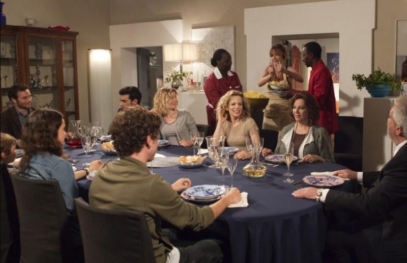 Una grande famiglia: la famiglia Rengoni al completo in una scena della fiction di Raiuno