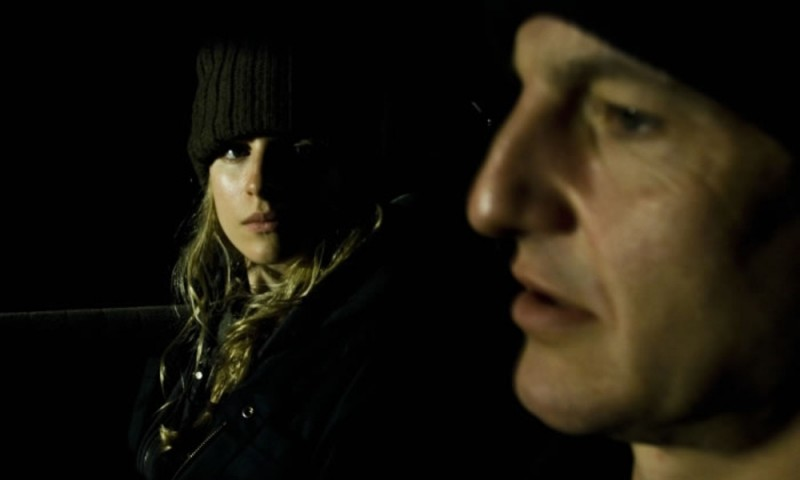 Brit Marling insieme a William Mapother in una scena notturna di Another Heart