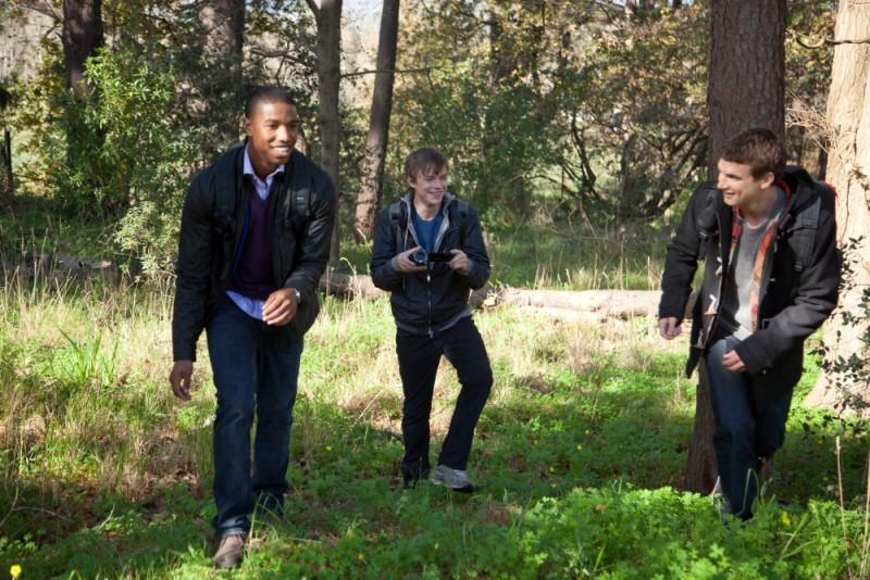 Dane DeHaan, Alex Russell e Michael B. Jordan in una scena all'aperto di Chronicle