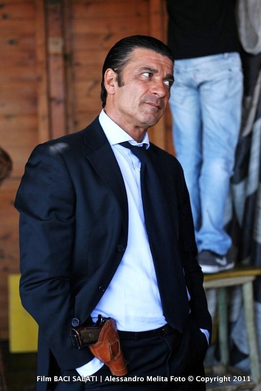Gaetano Antinoro durante le riprese di Baci Salati, regia di Antonio Zeta