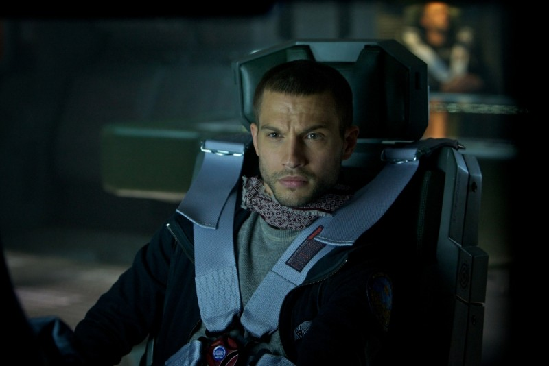 Prometheus: Logan Marshall-Green è Charlie Holloway in una scena del film