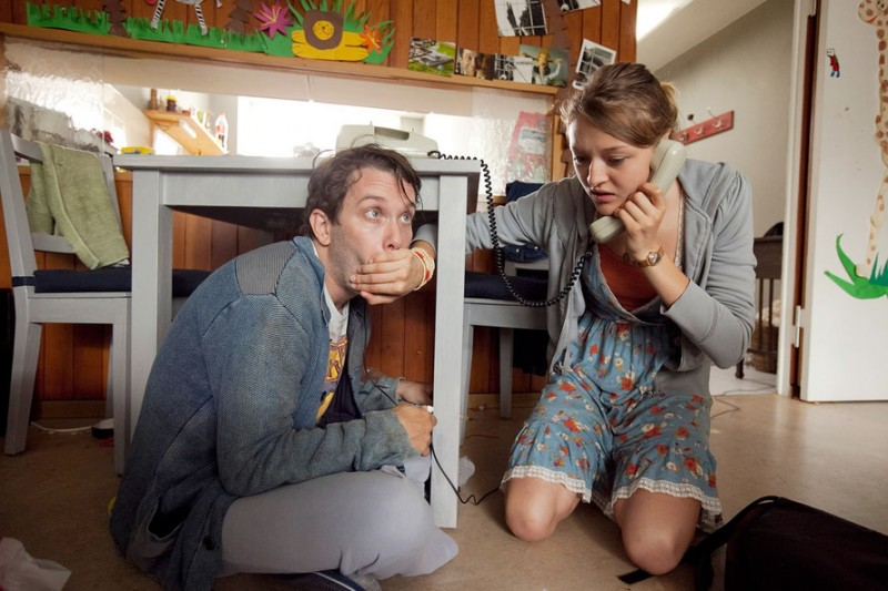 Christian Ulmen e Lola Dockhorn sono un padre disabile e sua figlia in Einer wie Bruno