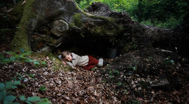 La piccola Wynona Ringer in una sequenza di A Pas de Loup (2011)